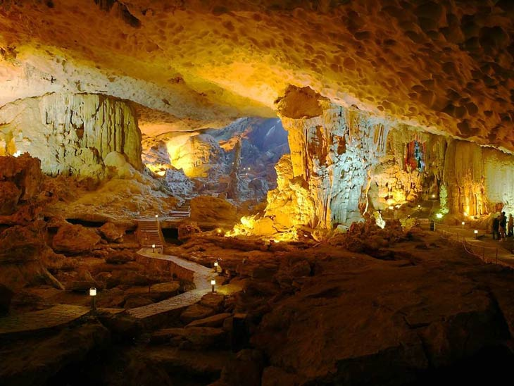 thien-canh-son-cave-orientalsails-2