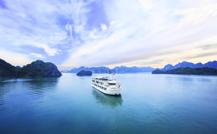 Một Vịnh Lan Hạ khác biệt với hoạt động chèo Kayak.
